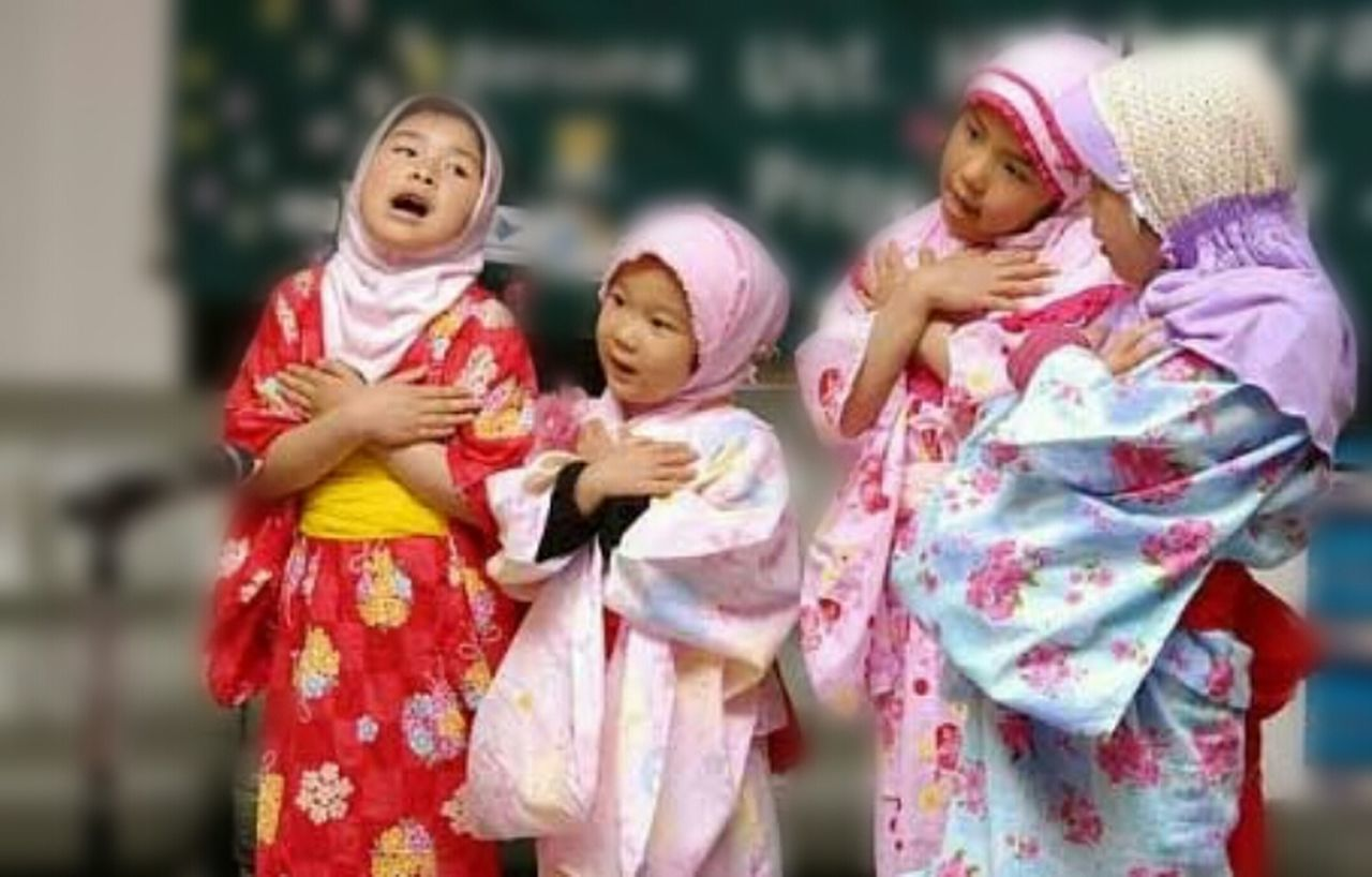 girls, childhood, traditional clothing, fun, outdoors, child, day, togetherness, standing, group of people, real people, friendship, close-up, people, adult