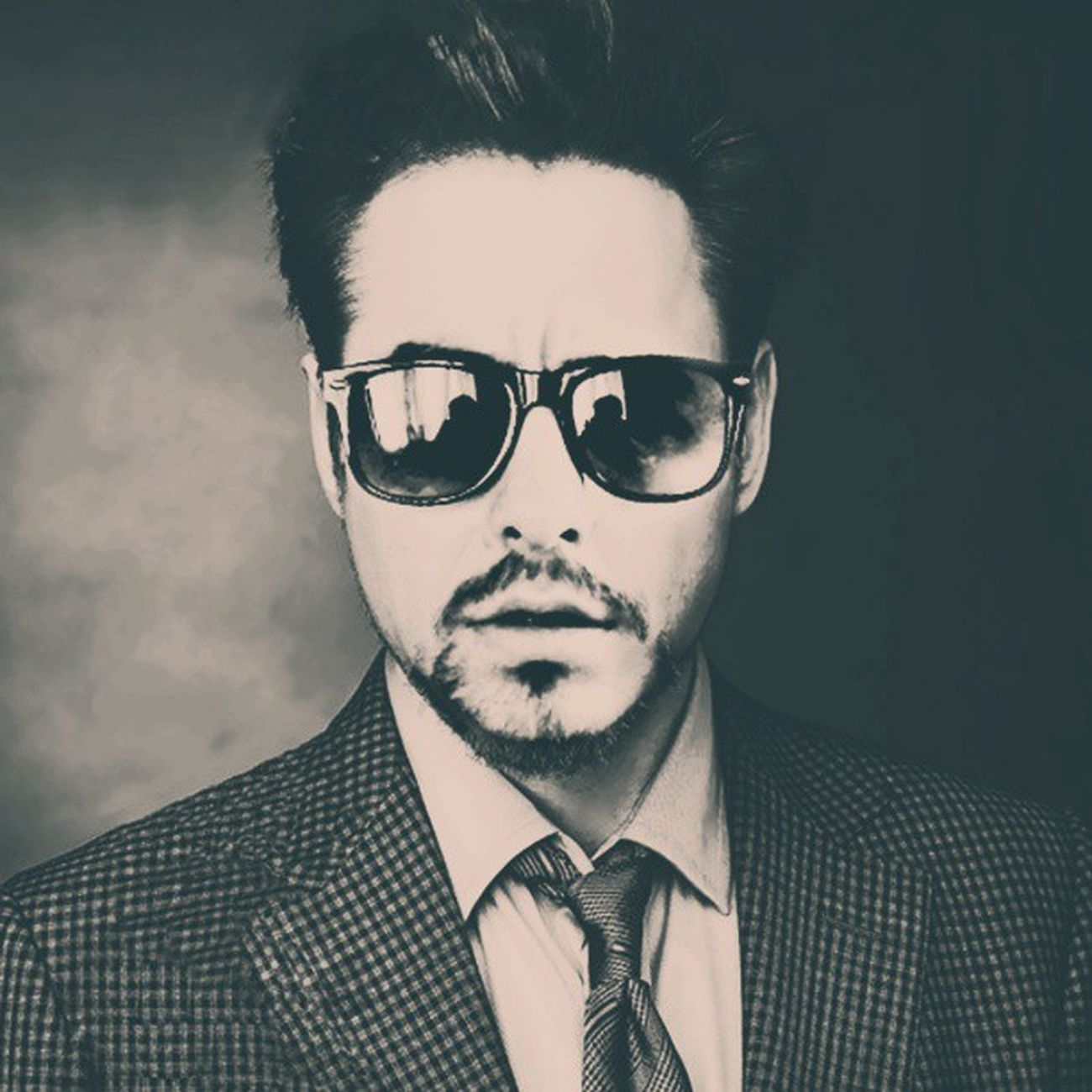 RobertDowney Instagram Graphic Photoshop edit cool handsome ironman rayban photoedit instagram smoke life