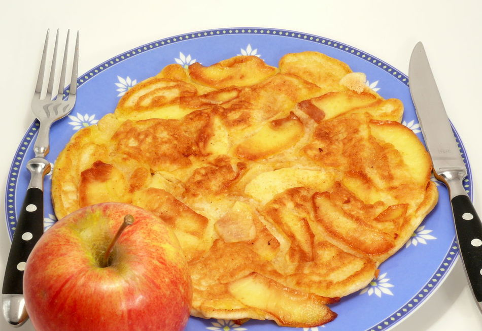 Apfelpfannkuchen Applepie Apples Cakes Close-up Day Fast Food Food Food And Drink Freshness No People Pancakes Pfannkuchen Plate Ready-to-eat Sweet Pie Unhealthy Eating
