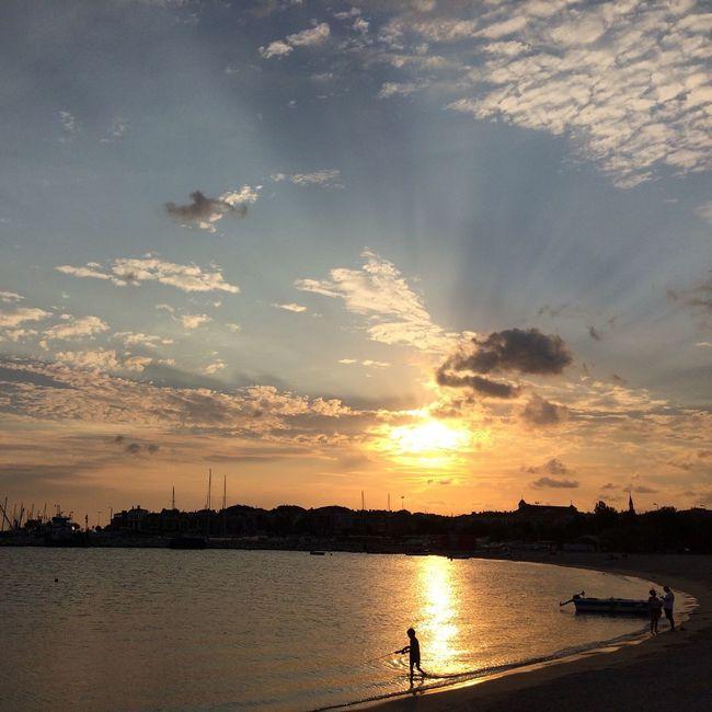 Yeşilköy'de Sunset Sunset Silhouette Beauty In Nature Calm Nature Sky Sun Nature Colors Photography Skyporn Sea And Sky Sunset #sun #clouds #skylovers #skyporn #sky #beautiful #sunset #clouds And Sky #beach #sun _collection #sunst And Clouds Photooftheday Enjoying Life Beatiful Istanbul Yesilköy Love