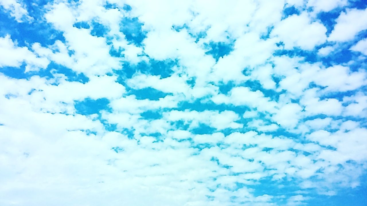 nature, cloud - sky, beauty in nature, low angle view, sky, full frame, no people, tranquility, backgrounds, outdoors, day, scenics