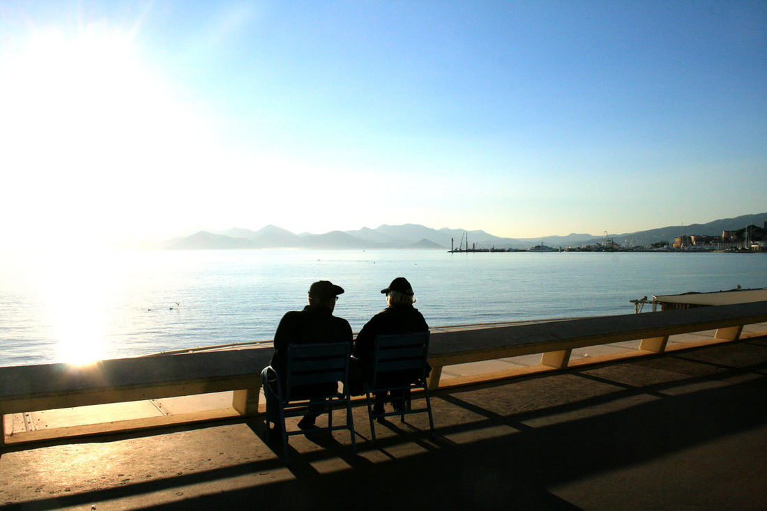 Cannes Chilling Coast Cote D'azure Hats Holidays Leisure Time Love Nature Outdoors Relaxing Scenics Sitting Sky Sunlight Sunset Talking Pictures The South Of France Togetherness Two People Two People On A Bench Water