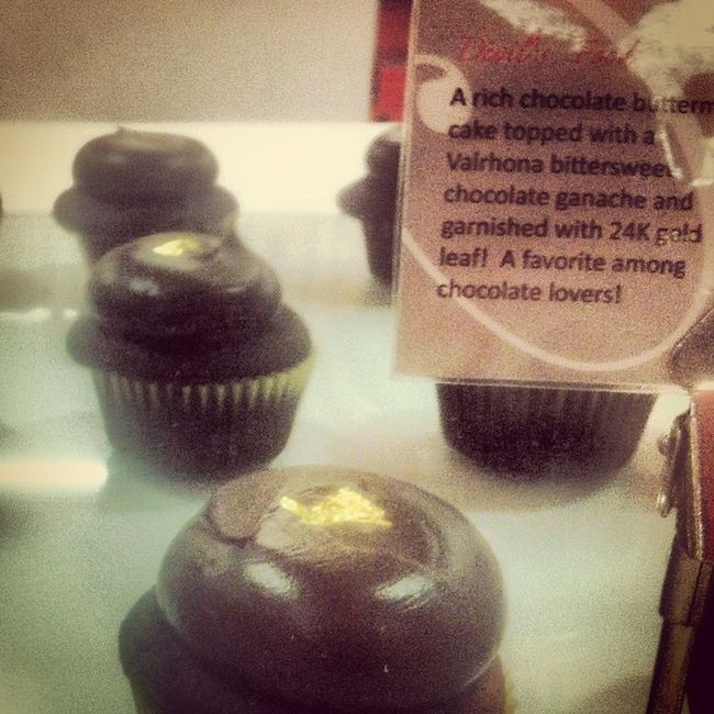 24k gold cup cakes!!!