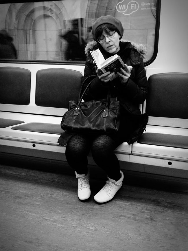 """Notes From The Underground Reading Passionate Reader People Watching that woman was reading """"Divorced, beheaded, died"""" with such a thrill, that she couldn't help but attracted my attention."""