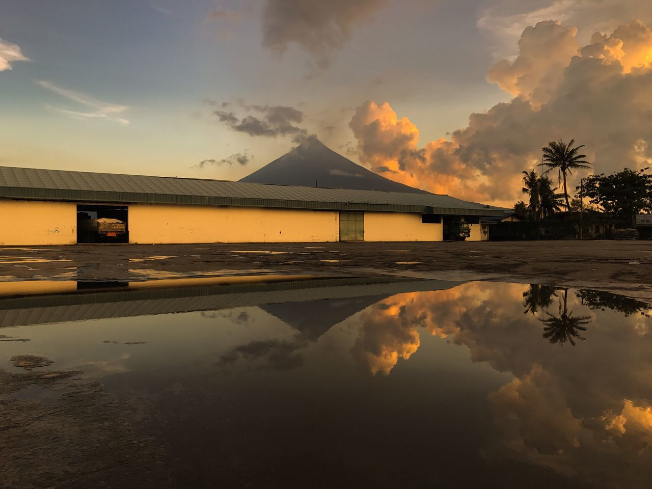 Water Nature Sky EyeEm EyeEm Best Shots EyeEm Gallery Beauty In Nature Scenics Built Structure Mayon Volcano Philippines EyeEmBestPics Reflection