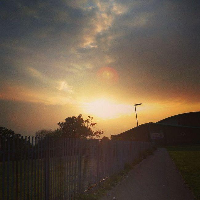 Sunset Yesterday!!'✌🌅 Loveit Sunny Lush Lushweather Sunshiningthoughclouds Sunset Beautifulday Lushview