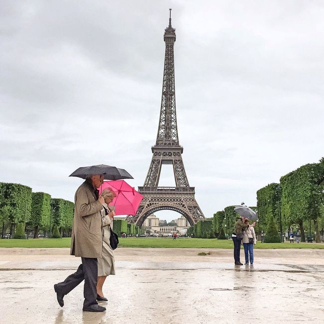 Rainy Sunday Afternoon! Bonne nuit Paris! Tour Eiffel Eiffel Tower EyeEm Best Shots Photooftheday Parisweloveyou Paris Eyem Best Shot - Architecture Being A Tourist