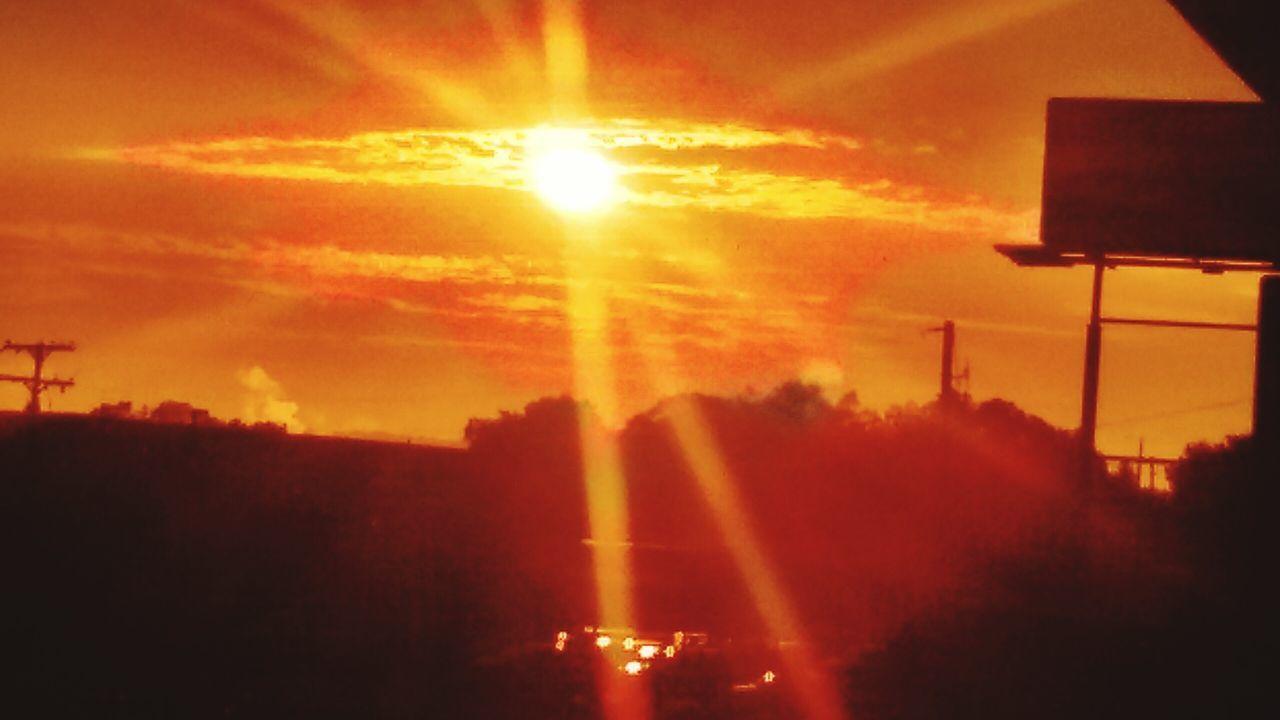 sunset, sun, sunbeam, orange color, sky, lens flare, nature, silhouette, sunlight, no people, outdoors, beauty in nature, scenics, tree, illuminated, day
