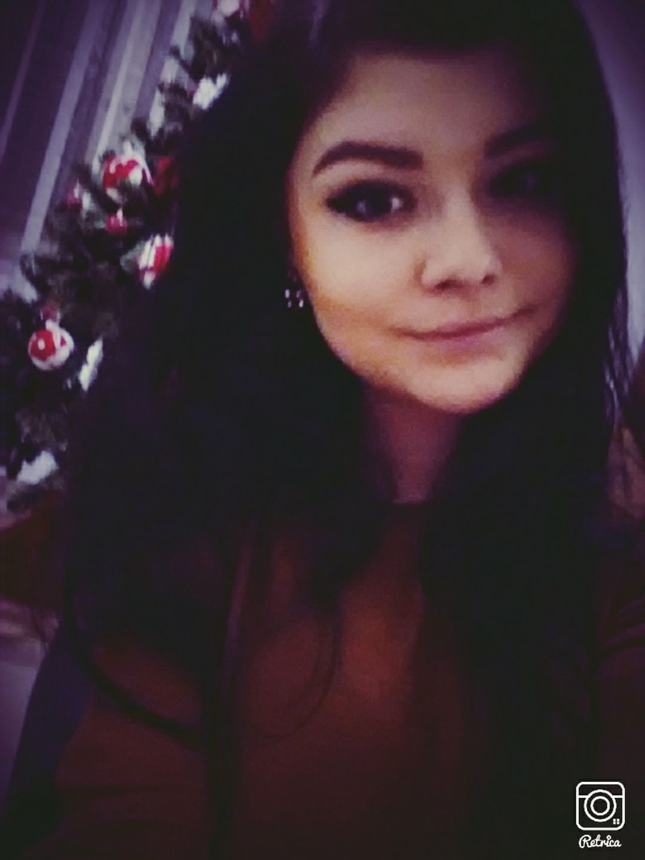 Selfie Follow Me Christmastree Girl