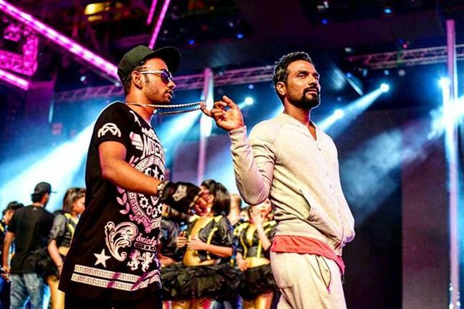 ✌☺☺ Moments...!! @dharmesh0011 and @remodsouza sir. Danceplusdiaries Starplus Sirstudentlove BESTTEACHER Be Original Princetuhin
