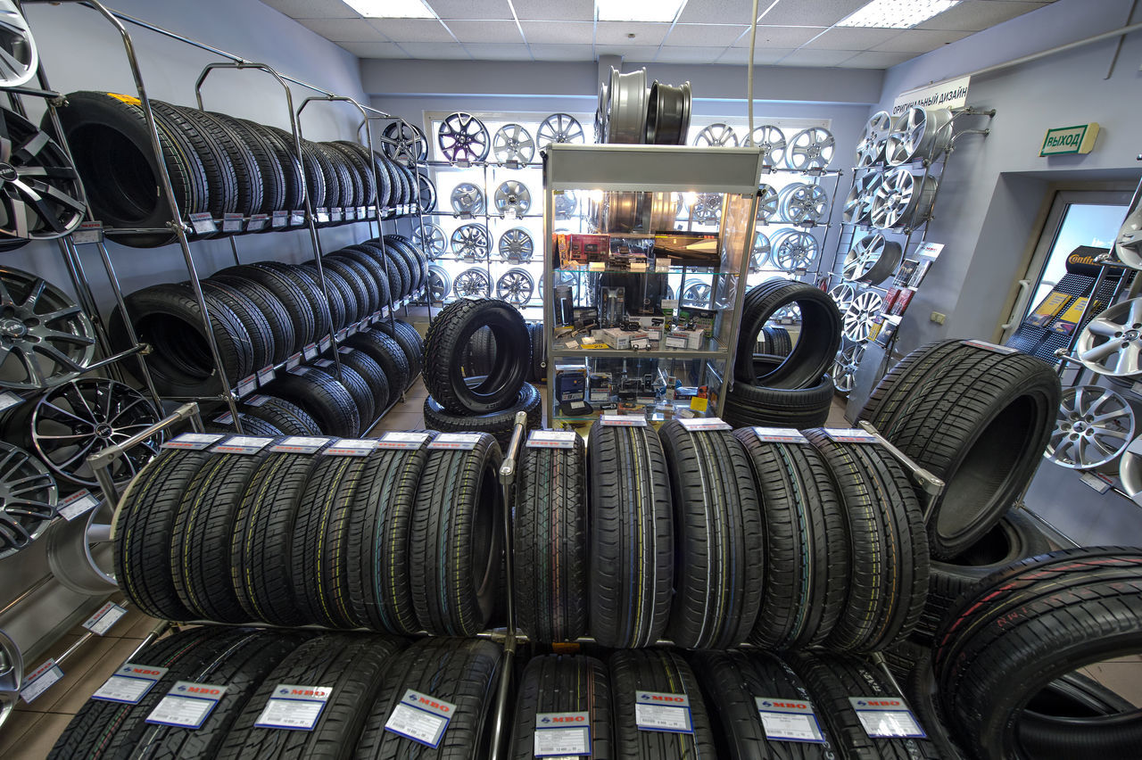Russia, Moscow, transport, cars, wheels, tyres, car service, trade Arrangement Automobile Industry Car Service Cars Day Indoors  Large Group Of Objects Moscow No People Russia Stack Store Tire Trade Transport Variation Wheels