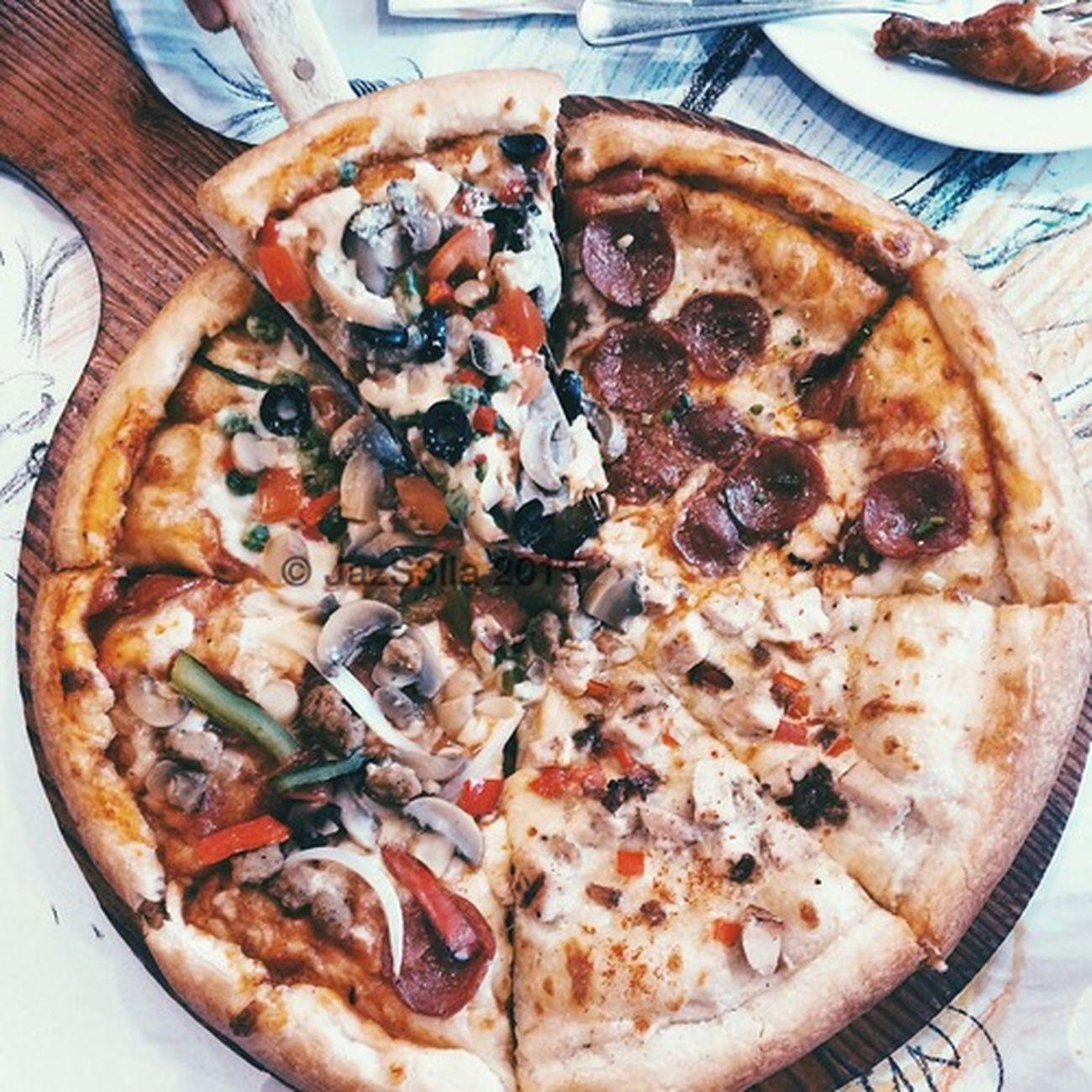 Pizza 🍴 Pizza Burgoo Food