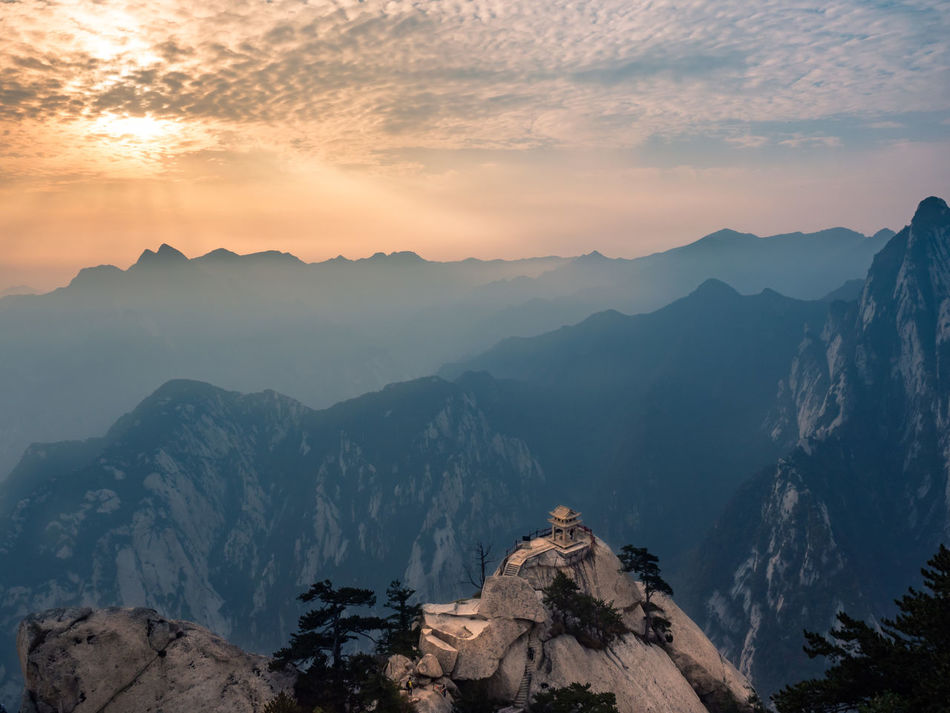 Small temple on 华山 Hua Shan, China. ISO 200, 12mm, f/13, 1/160s Beauty In Nature China Cloud - Sky Hua Shan Huashan Idyllic Majestic Mountain Mountain Peak Mountain Range Nature Non-urban Scene Outdoors Scenics Sky Small Temple Sunrise - Dawn Sunset Temple Tourism Tranquil Scene Tranquility Travel Destinations 华山 寺庙