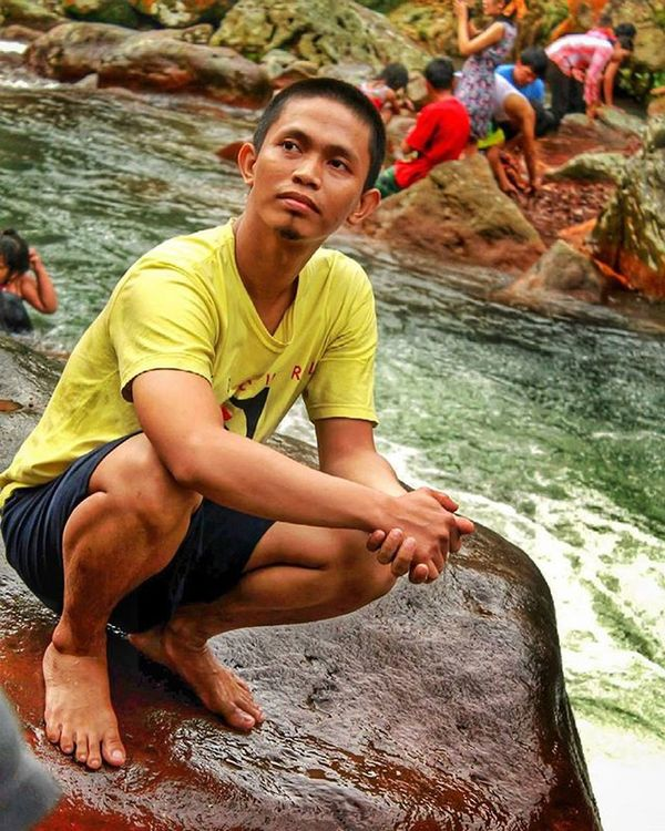 edisi sayang dibuang Stone Beutiful  Bogor GunungBunder Funny Bodyrafting Greatview Love Beach Nature Natural Indonesian Panorama Landscape Explore Exploreindonesia Hunting Art Chasinglight Photograph Latepost Streetphotography Waterfall Candid Water jalanjalan niceview bestfriend bridge troll