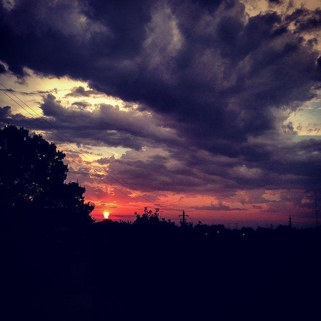 Sunrise Italy Cloudy Iphonography Lifeisbeautiful Webstapick Summer2014 Instapick EnjoySunday Wheresummer Evenifitscloudynrainy