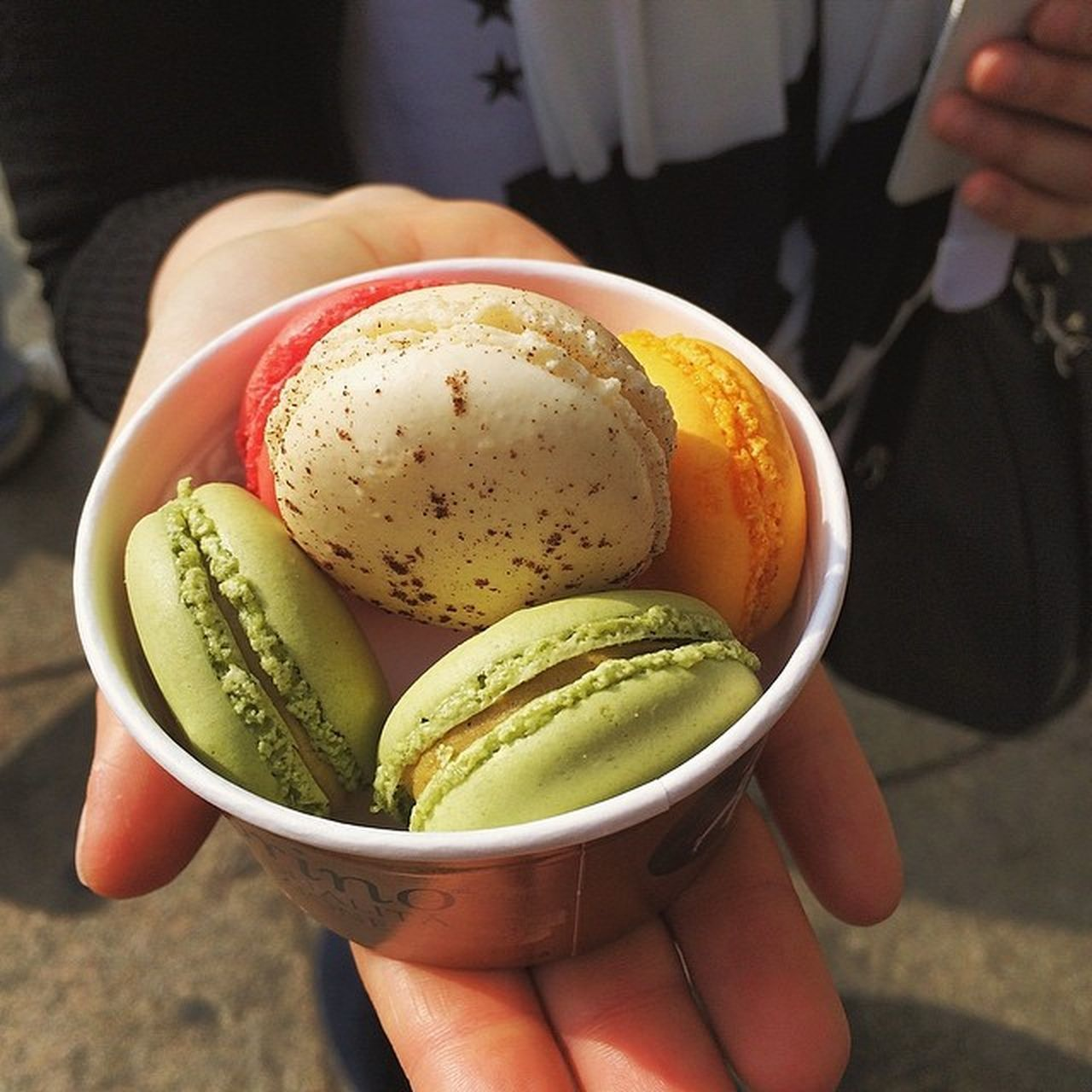 Today I tried the macarons with ice cream, oh my gosh is this a great combination. I will marry the owner! Berlin Amorino Visit_berlin