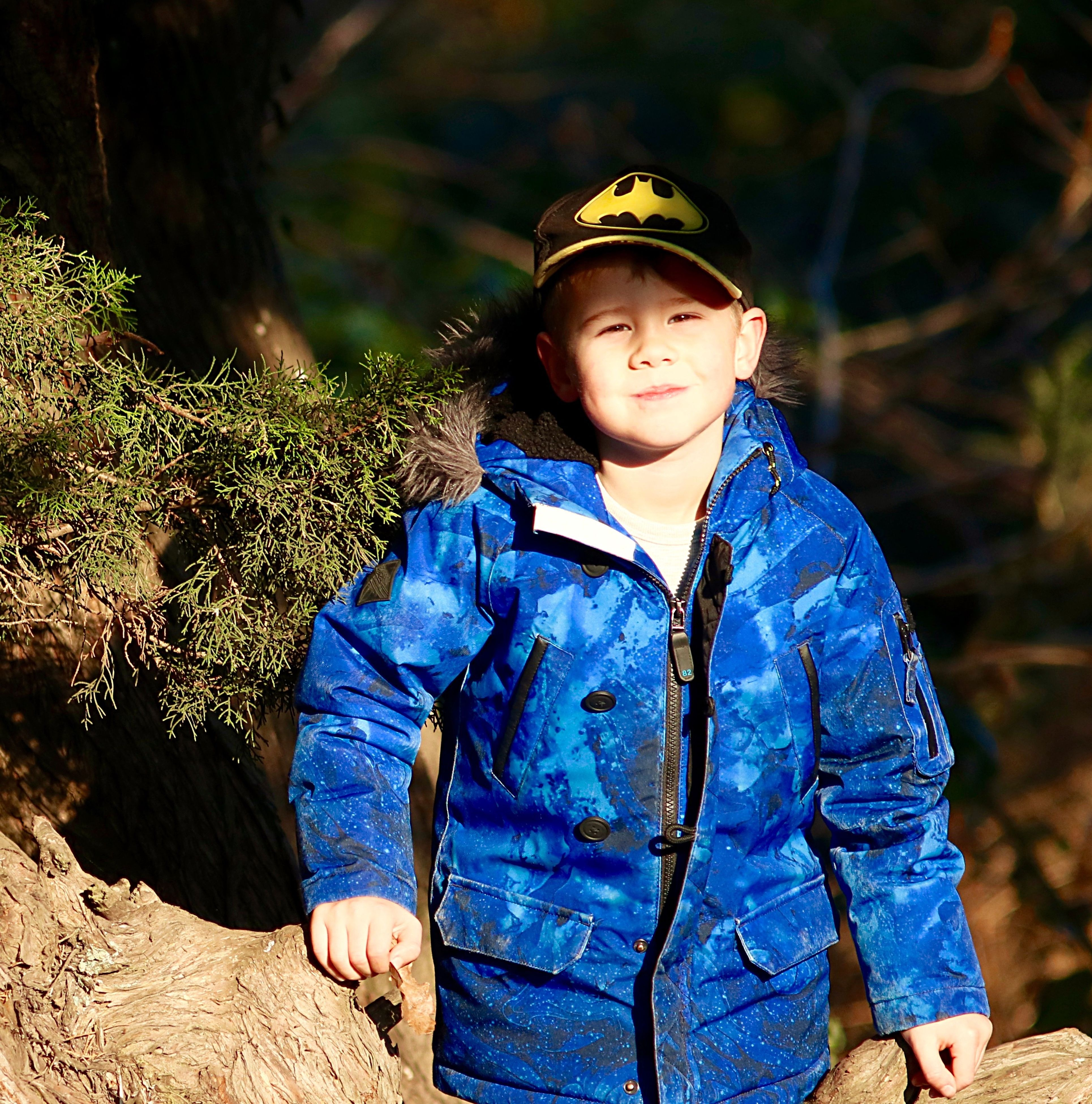 males, child, blue, boys, one person, portrait, one boy only, children only, childhood, people, period costume, outdoors, headwear, day