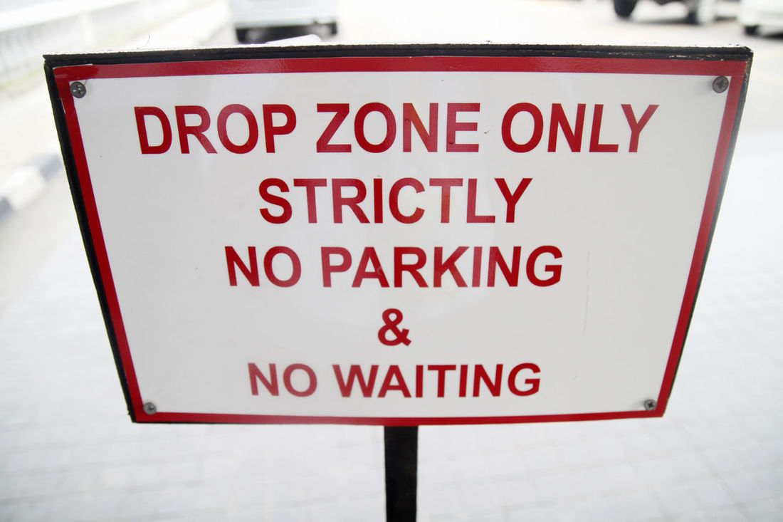 hotel signage Accomodation Drop Drop Zone Leisure Activity Leisure Time No Parking No Parking Sign No Waiting Place Signboard Signs Sinage