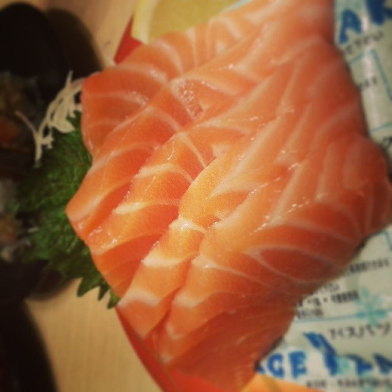 Yummy...1 abad sekali makannya Salmon Sashimi  SMB Sushitei happy japanese