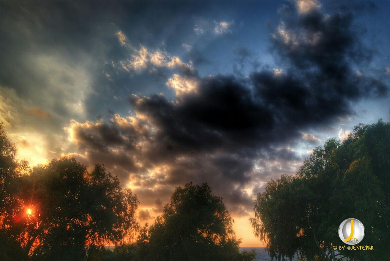 Sunset & Sunrises series by me. Relaxing Enjoying Life Sunset #sun #clouds #skylovers #sky #nature #beautifulinnature #naturalbeauty #photography #landscape