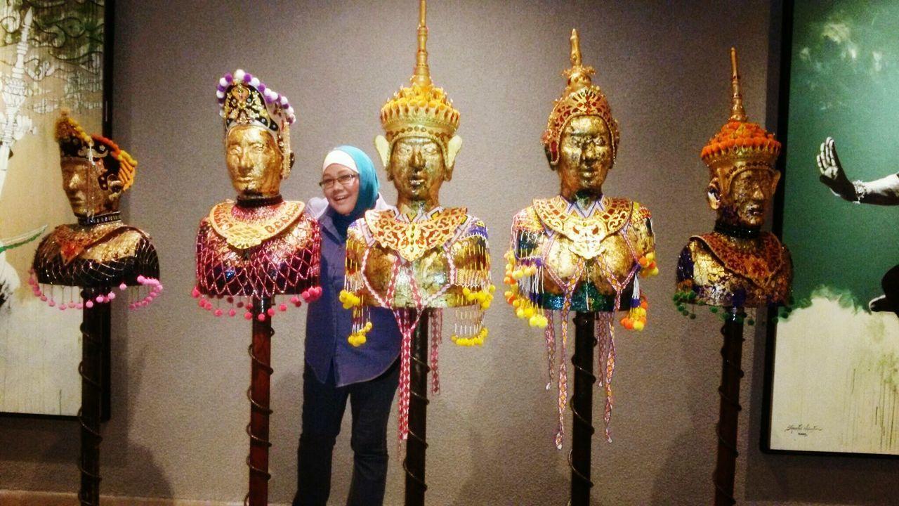 Ancient headwear Pahang, Malaysia Museum Of Natural History