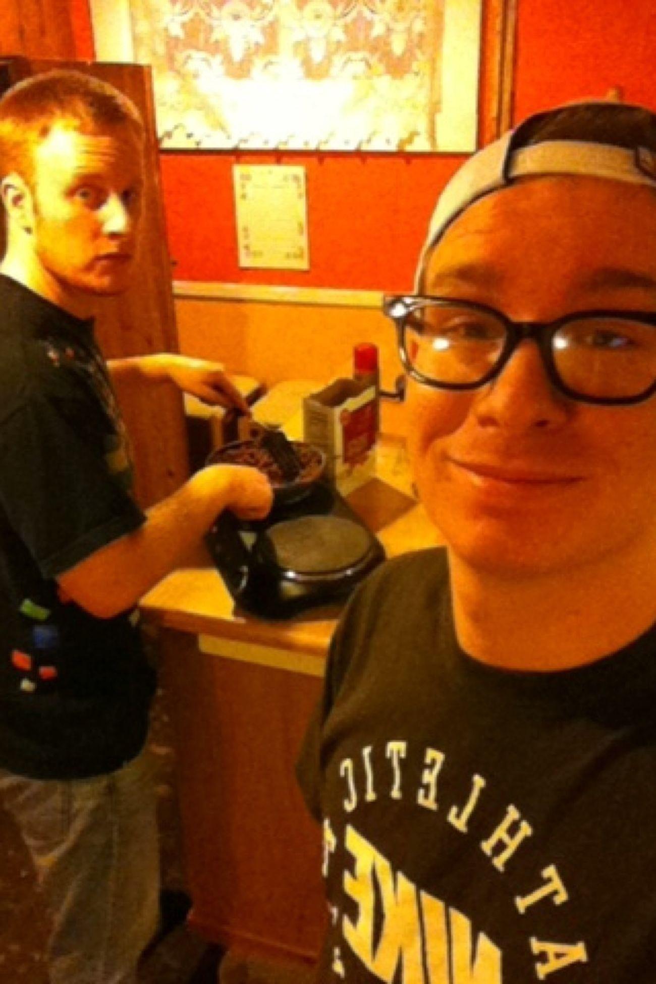 My nigga Jordan cooking some pasta @ 10:36 at night. Hungry status. Friends YoungAndGettingIt Chilling Nofucksgiven