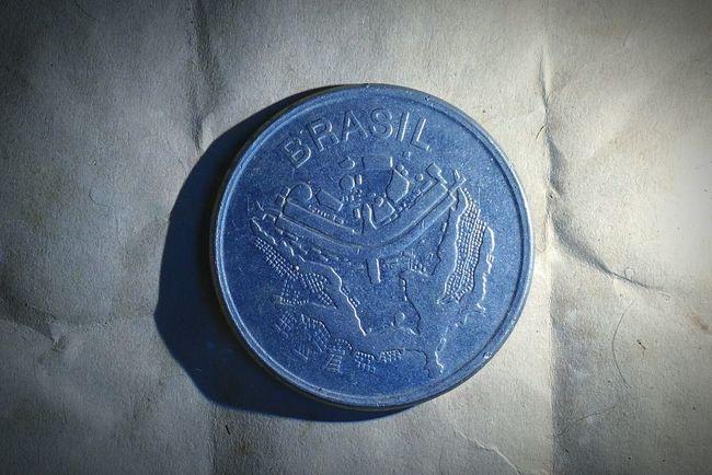 Coin Finacier Brasil Cruzeiro Moeda BrasiliaDf EyeEm Old 1983 Light And Shadow Photography EyeEm Team Brazil EyeemTeam MotoX2