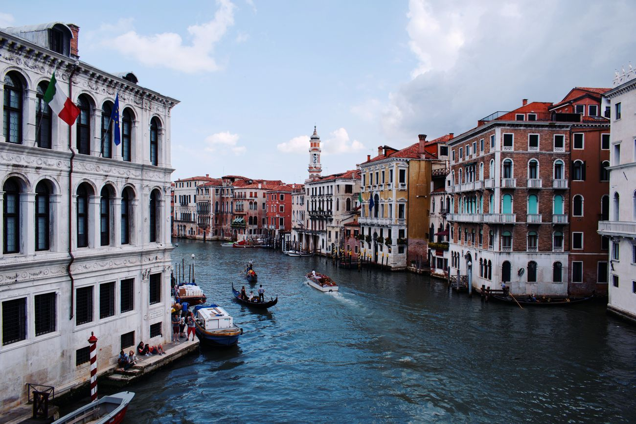 Hello Venice Italy Italianeography Venice Gondola - Traditional Boat Architecture Outdoors Water Canals And Waterways Bridge Beautiful Adventure Trip All_shots Vscophile VSCO Building Exterior Seekersoflight Sleepwalker