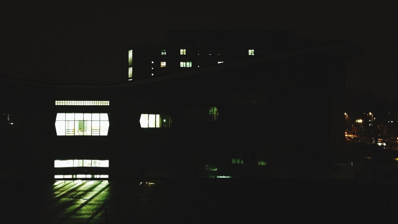 Architecture Milano Urban Geometry Al fine abbiamo fatto revisione di lab fino alle 18:00. Ah, domani andremo in vacanza di natale!! Dai!! Happy Xmas
