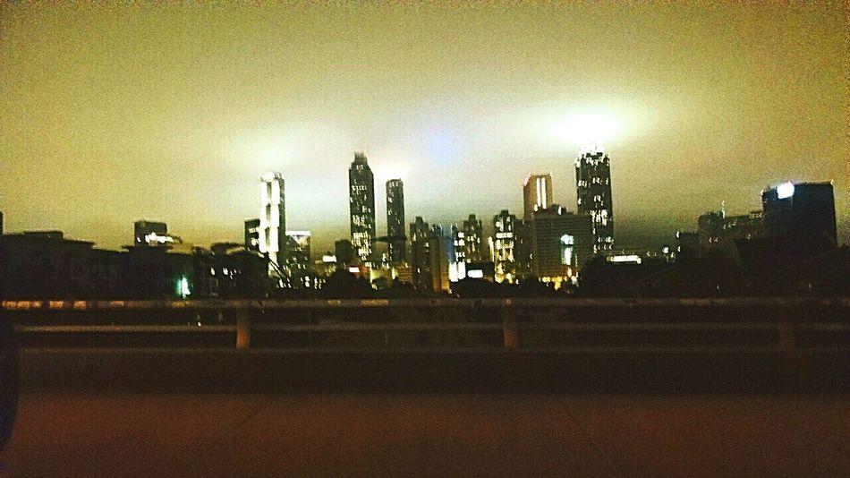 Foggy Downtownatlanta O4w Jackson Street Bridge Latenight Citylights Atlantaskyline