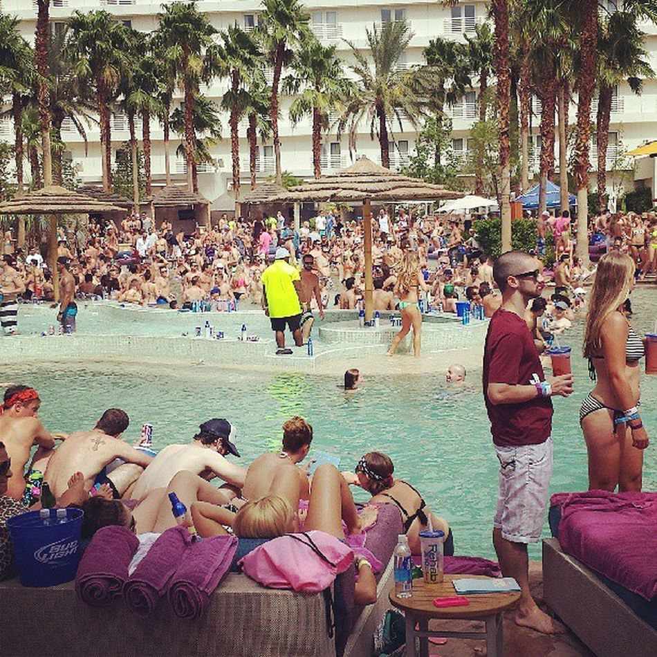 Typical saturday in vegas...too bad the waether is so so!! hardrockcasino Racksonracksonracks Fuckwhattheysay Bitchesbelikewhatwhat @jcpanganiban