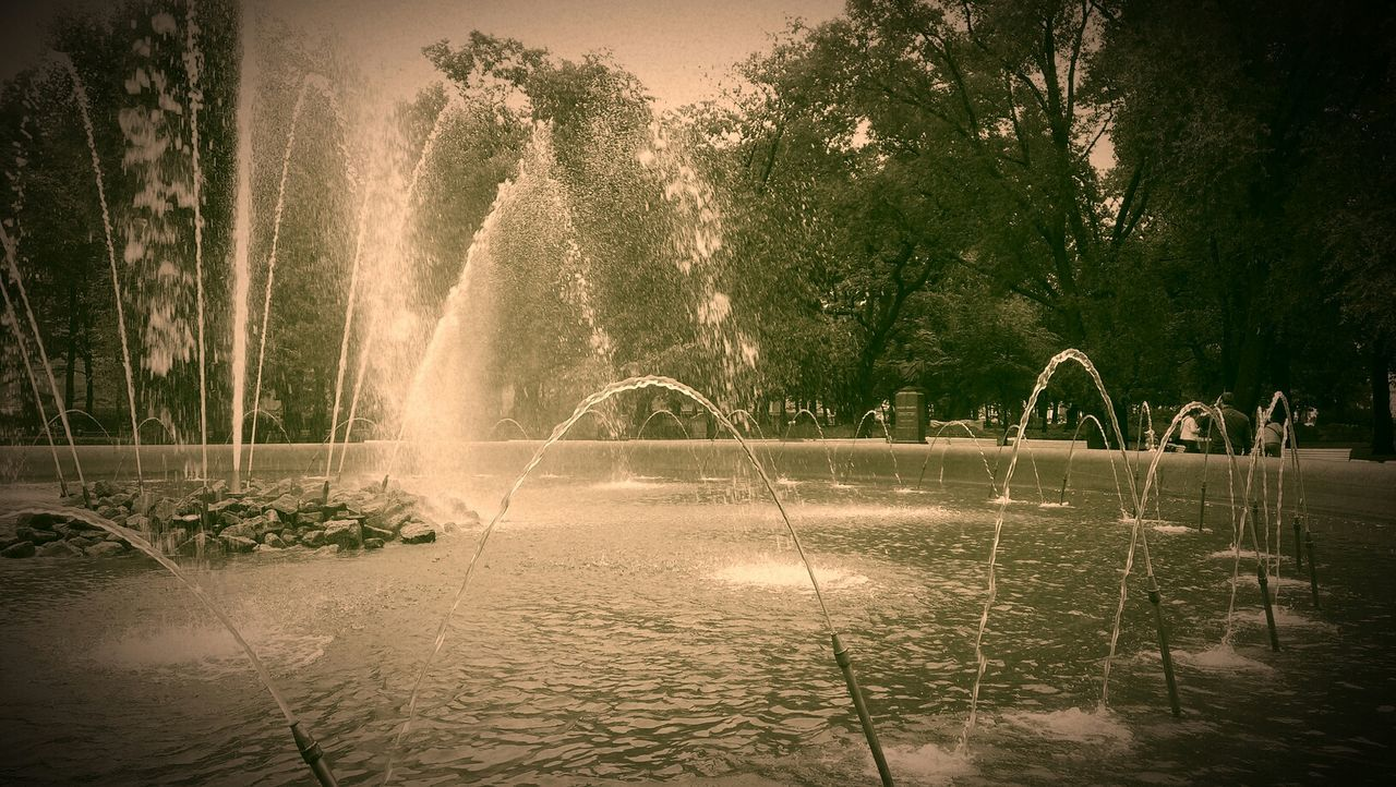 фонтан Fountain Green Water