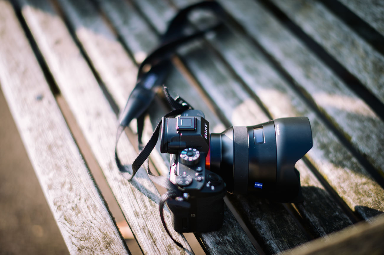 Camera - Photographic Equipment Close-up Day Digital Camera Digital Single-lens Reflex Camera Modern No People Old-fashioned Outdoors Photography Themes SLR Camera Technology