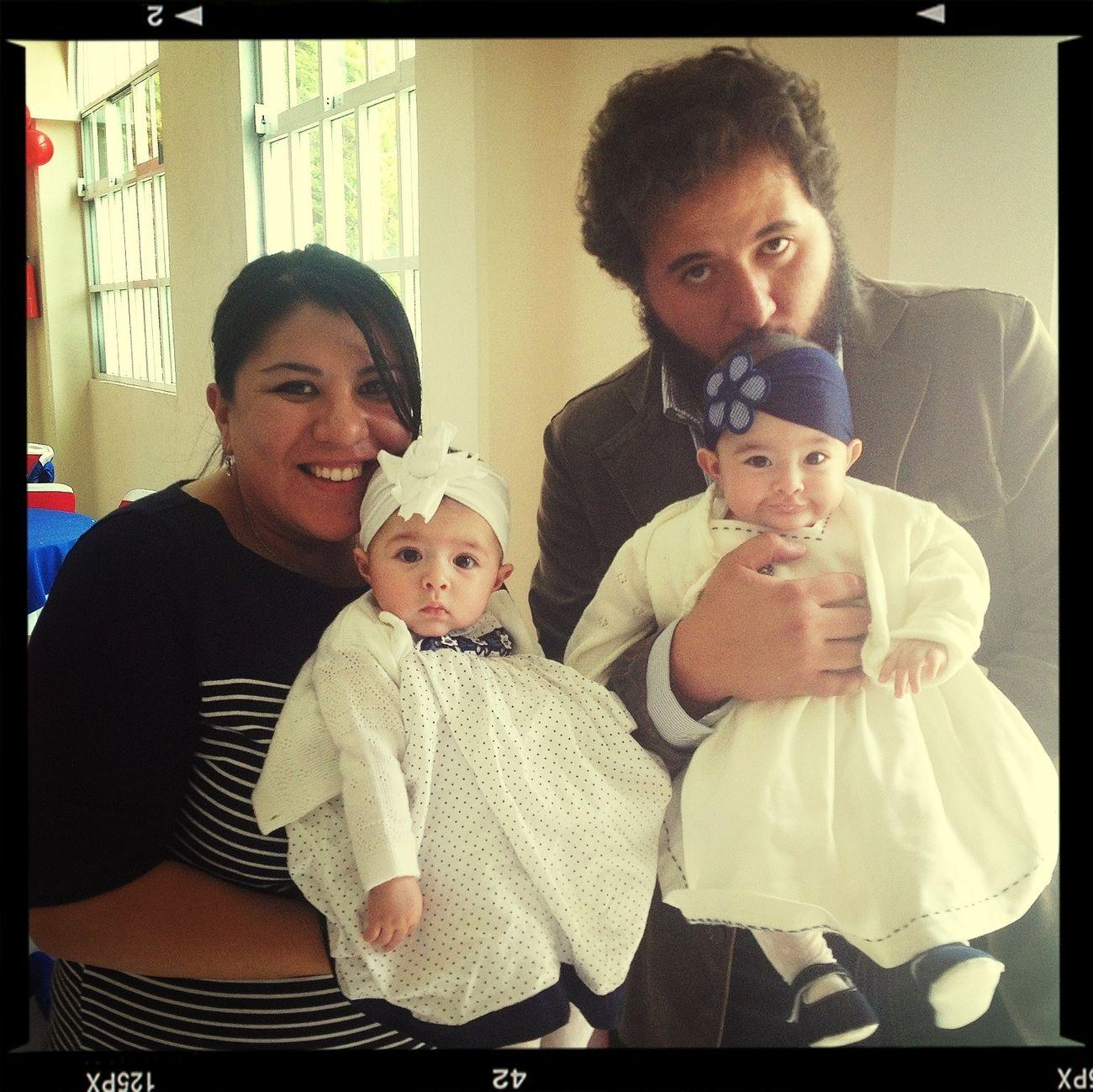 Familia! ❤ Posando