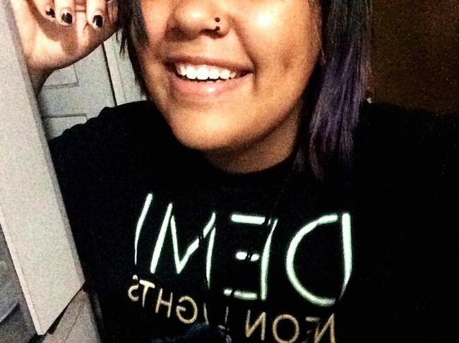 você tem um rosto feito pra sorrir, e você sabe... ? That's Me Smile Demi Lovato The Neon Lights Tour
