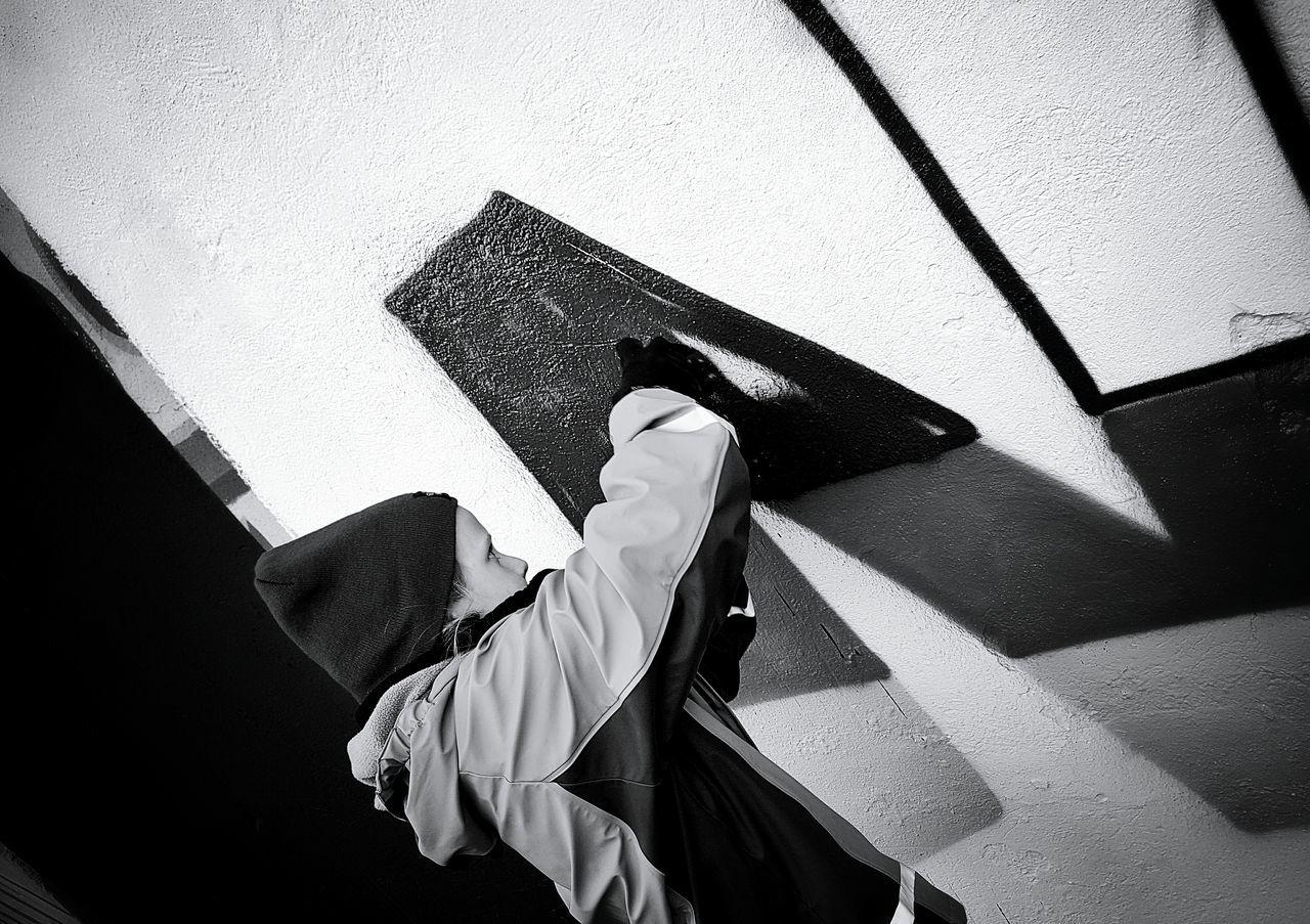 One Person Real People Outdoors People Streetart/graffiti Streetart Capture The Moment Fine Art Girl Girl Portrait Monochromeart Monochrome _ Collection Monochrome Collection Monochrome Photography Monochrome Photograhy Blackandwhite Black & White Streetphotography Black And White Photography Streetphoto_bw Graffiti Painting Graffiti & Streetart Graffiti The World Graffiti Art