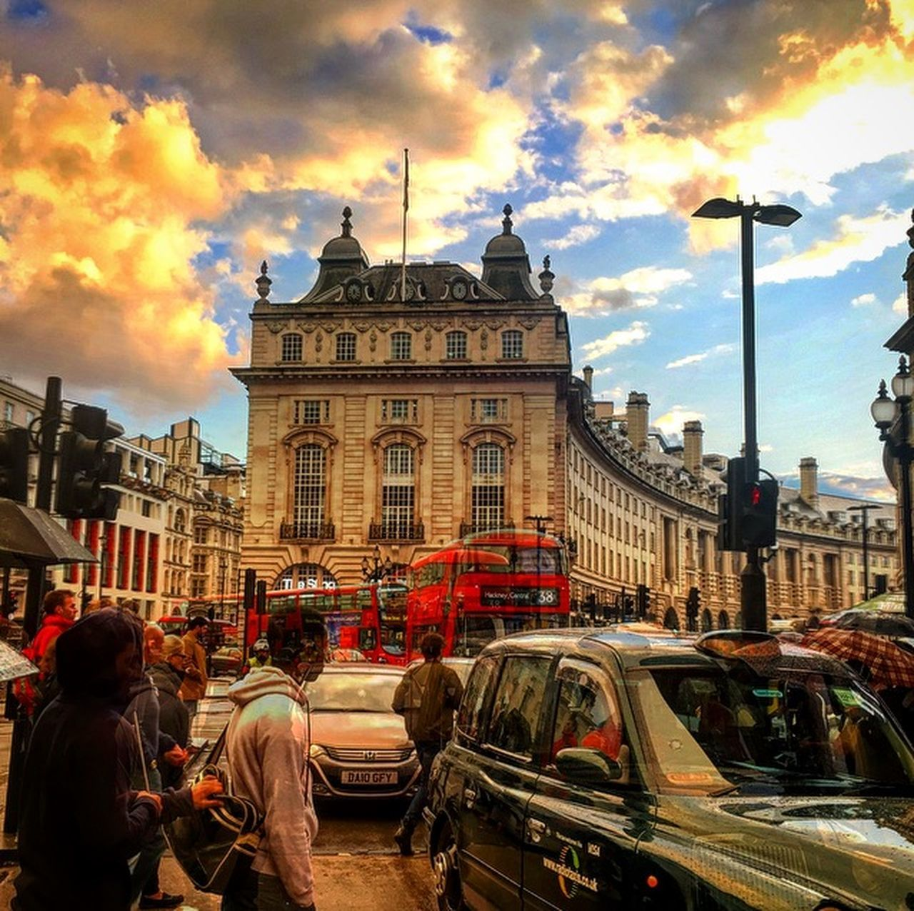 A gloomy but vibrant evening sky over London. Typically Autumnal. Regentstreet London Thisislondon Autumnalsky Autumn Moody Sky Citysunset IPhoneography Worldgallery Iphone6