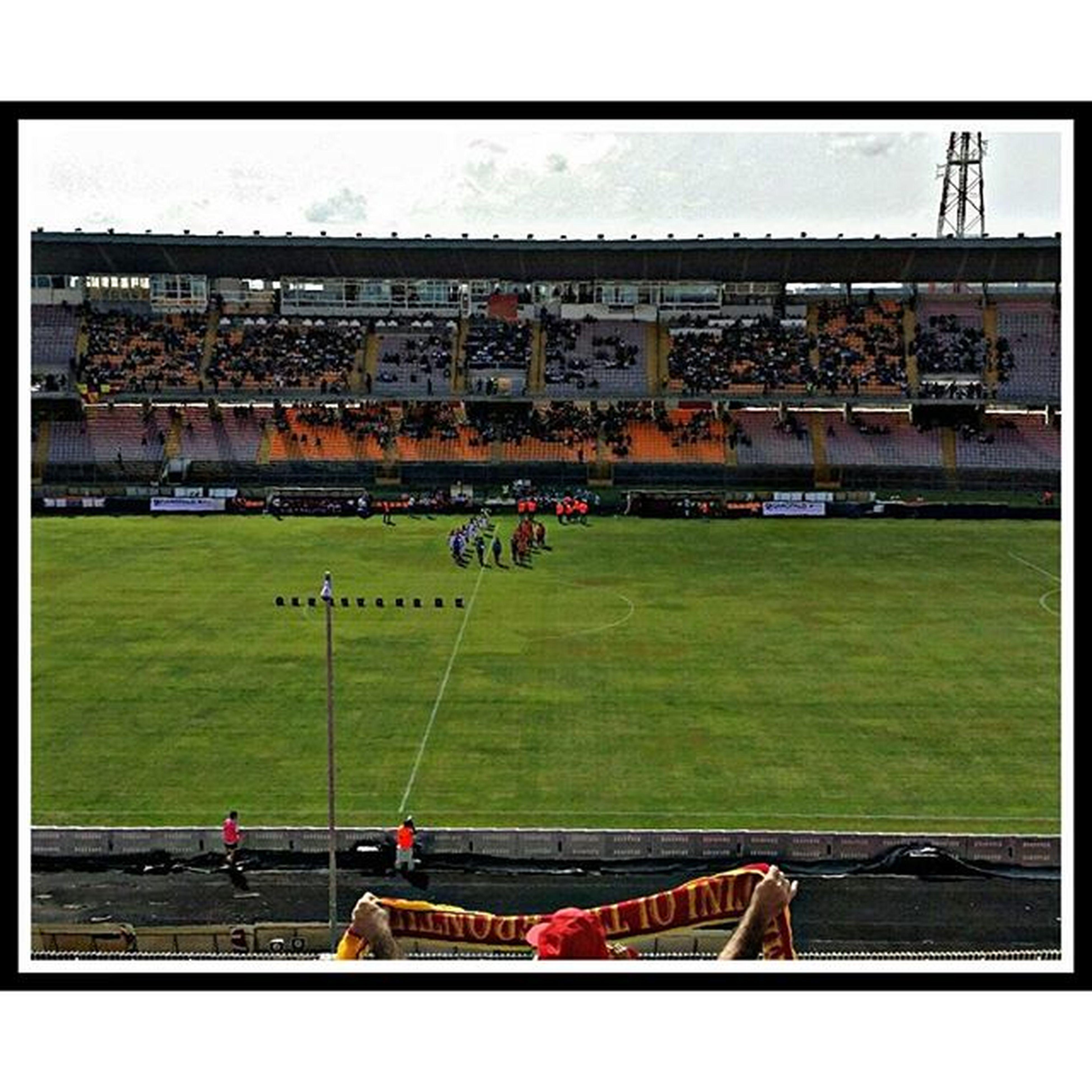 Stadio Lecce Uslecce Viadelmare Fedegiallorossa Legapro Sciarpa Inizialapartita