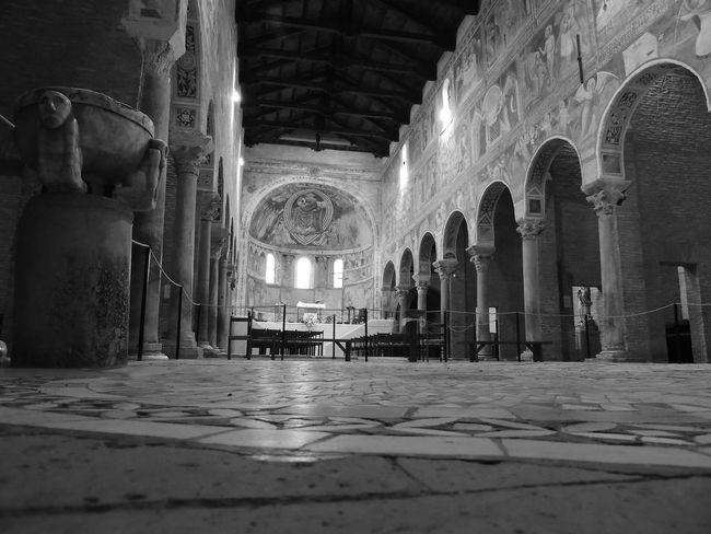 Black And White Black And White Collection  Black And White Photography Blackandwhite Blackandwhite Photography Cappella Chapel Church Churches Churches Collection Comacchio Indoor Indoor Photo Indoor Photography IndoorPhotography Indoors  Indoorsphotography Lidiferraresi Museum Museums Pomposa Prospective Prospective Architecture_bw Streetphotography_bw Prospettiva Prospettive
