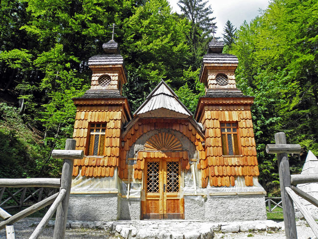 Russian chapel 1917.,built by russian prisoners of war during 1st World war,Vrsic,Slovenia,1 1917. 1st World War Architecture Chapel Church Eu History In Memoriam Memory Prisoners Of War Religion Russian Russian Chapel Slovenia Vrsic Wooden Facade