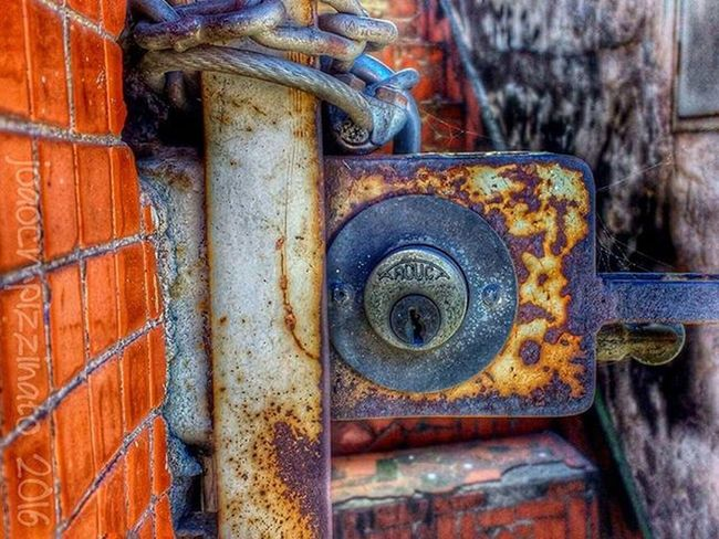 Flaming_rust Rustlord_texturaunique Rustlord Rottenfeed Rust Metal Industrial Streetphotography Urban Streetphoto_brasil Colors Trailblazers_urbex Rsa_preciousjunk Jj_urbex Urbexbrasil Urbexsp City Zonasul Saopaulo Brasil Photograph Photography