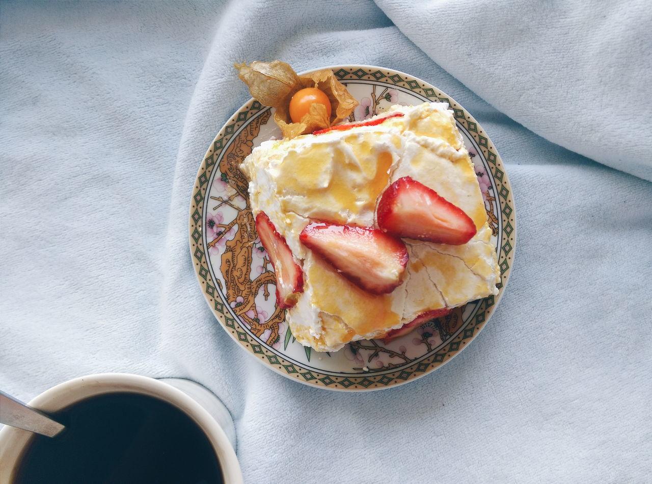"My Favorite Breakfast Moment Bakeryporn Pavlova Cake positive morning with ""Pavlova cake"" popular, international ballerina via Fotofall EyeEm X My Muesli - Breakfast Moment"