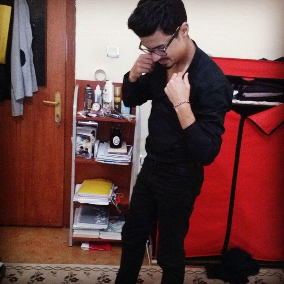 Siyah Gömlek Siyah Pantolon siyah gözlük