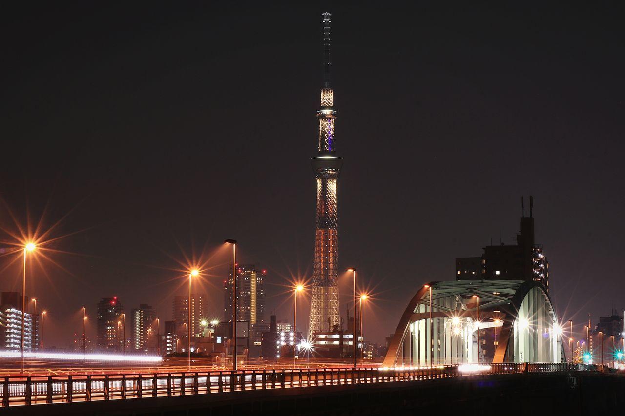 Night Illuminated Urban Skyline Japan Bridge Nightscape Nightphotography Night View Tokyo Tokyoskytree Skytree Lightpoles