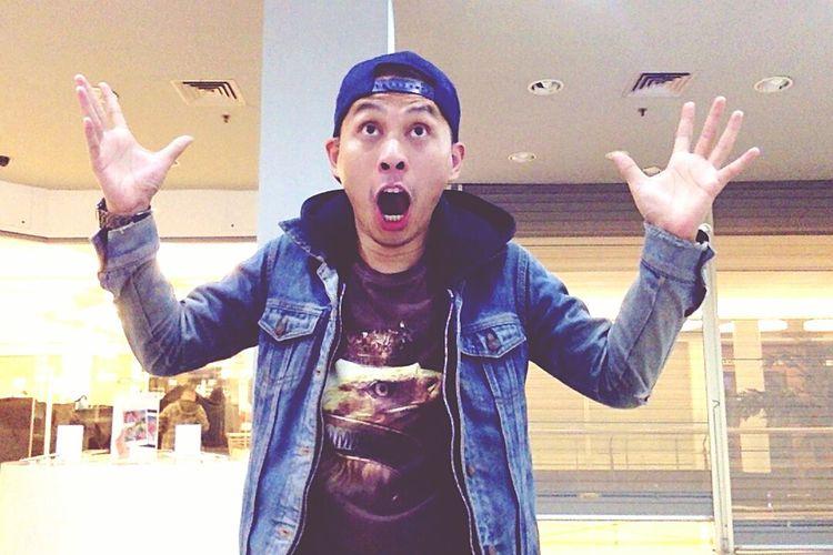 I just wanna scream! >:D< 8-}
