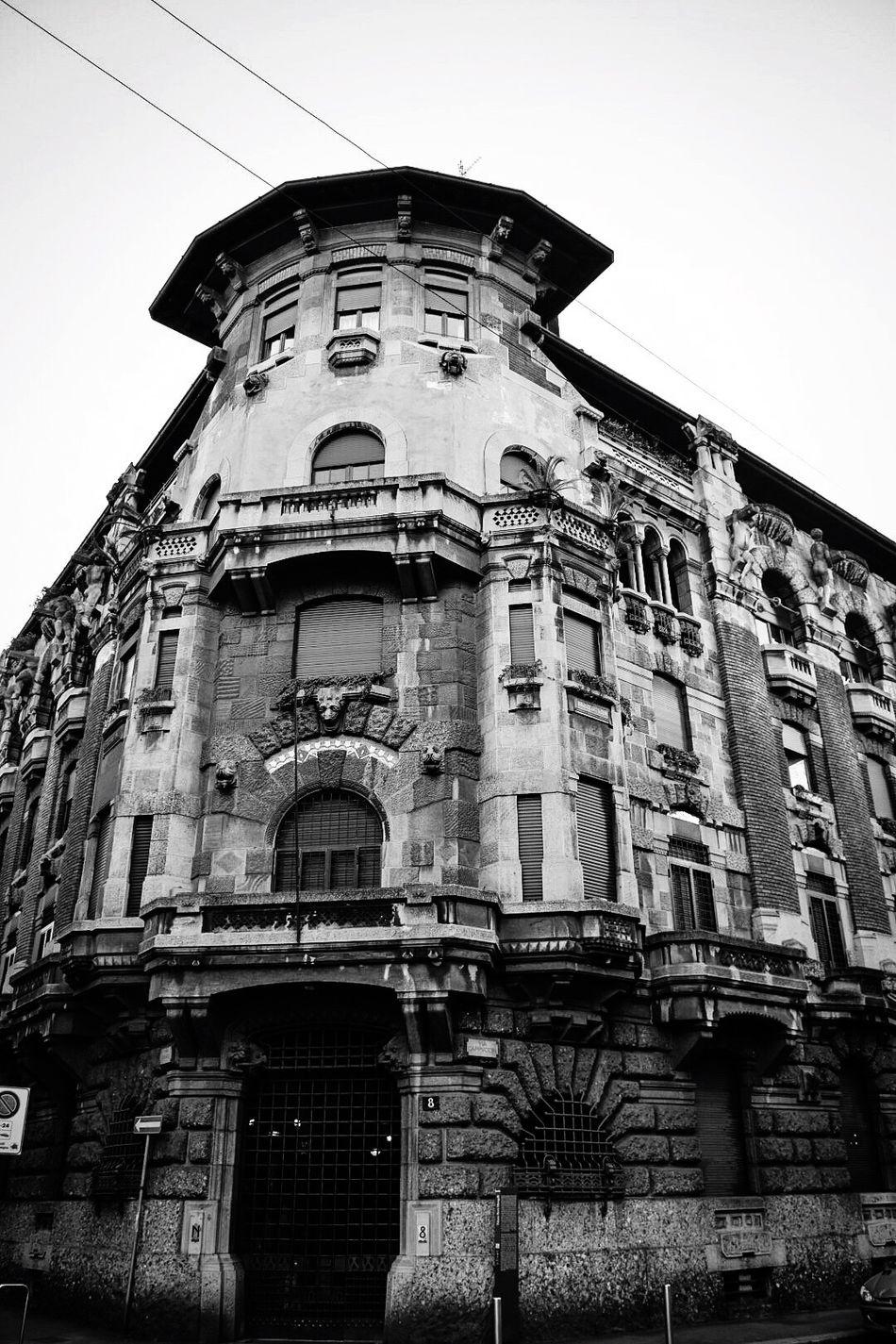Palazzo Berri Meregalli, Milano Architecture Low Angle View Built Structure Eclectic 1913 Urbanphotography Blackandwhite Architecture_collection Milano