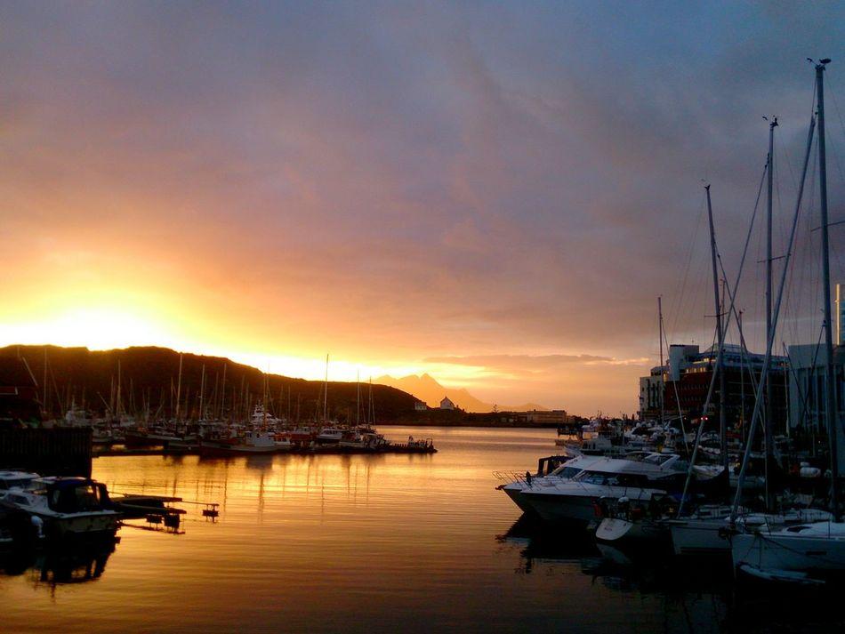 2016 Boat Bodø Cloud - Sky Dramatic Sky Harbor Marina Midnattsol Midtsommer Mitternachtssonne Mittsommer Moloveien Nordland Nordnorge Nordnorwegen Norge Norway Norwegen Sailboat SanktHans Scenics Sky Sunset Water