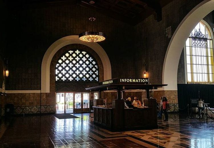 Inside Los Angeles Union Station - like a travel into old Mobster-Times 😀 Unionstation History Travel Instatravel Reise Igers Losangeles Old Building Architecture Geschichte Instamood Picoftheday Nofilter Travelgram Adobe Adobemax