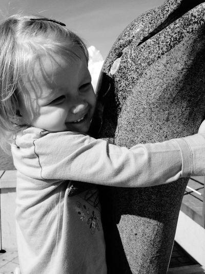 Give me a Hug 😄🤗🐬 Cute Kids Kidsphotography Kids Being Kids Smile ✌ Smiling
