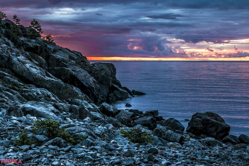 Taking Photos Sunlight Fotografhudiksvall Darkness And Light Folowforfollow Stones Seascape Sunrise Hudiksvall Folowme Sky And Clouds Nature Nofilter Coulors Sea Butiful Enjoying Life Fotography Aoutmn Check This Out Beatch